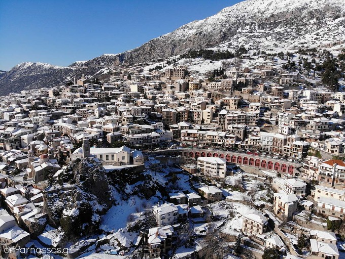 greece-winter-holidays-athenstaxidriver
